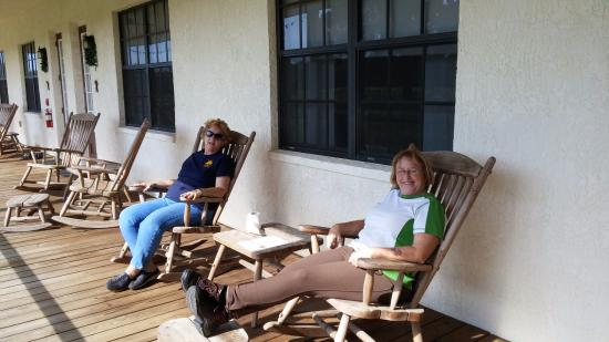 Bushnell, FL: Lounging on the screened porch.