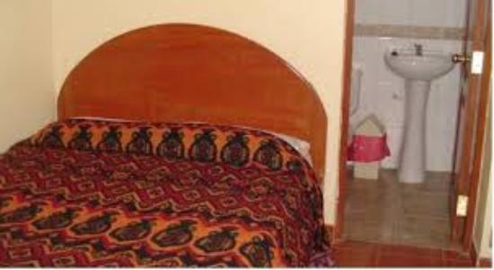 Hostal Samani : habitacion matrimonial