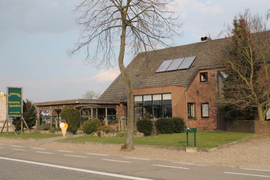 Dilsen-Stokkem, België: taverne ijssalon 't prieeltje