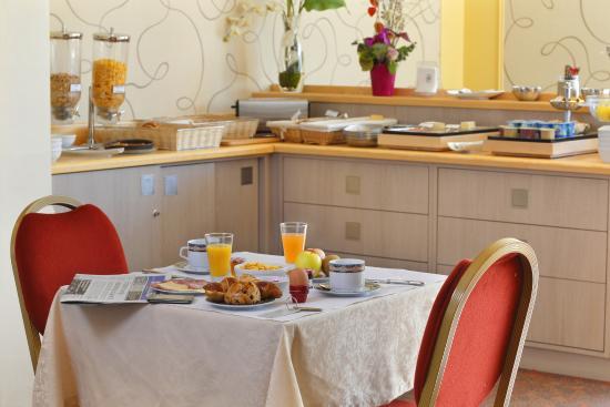 Hotel Normandie Auxerre : petit-dejeuner Buffet