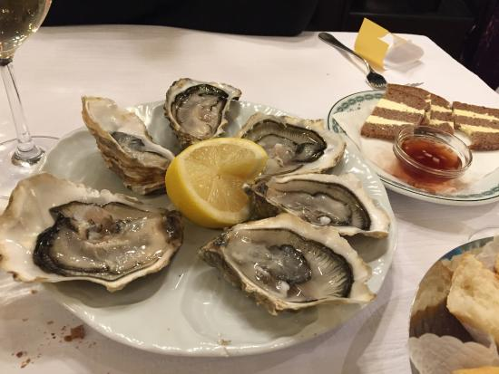 Oyster fine de claire no 1 picture of brasserie lipp for Seafood bar zurich