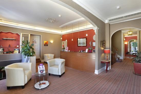 Hotel Normandie Auxerre : reception hotel