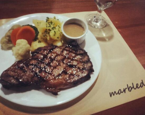 marbled restaurant bar - Large Restaurant 2015
