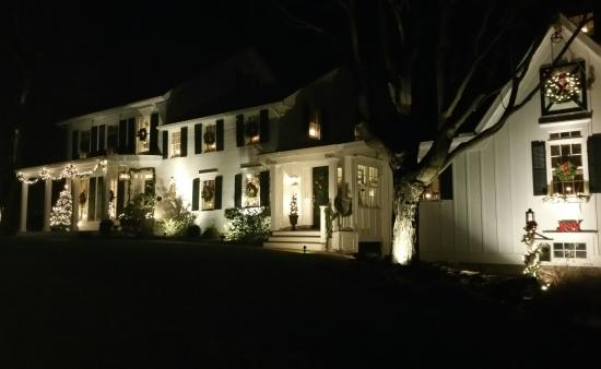 Warwick, estado de Nueva York: Inn at Stony Creek Christmas lights