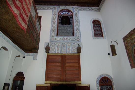 Riad Dezayn: Vue de la salle commune