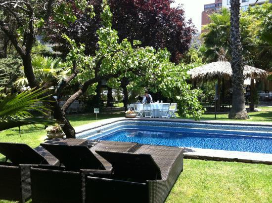 Manquehue Santiago Las Condes: jardines_hotel manquehue_ santiago_las_condes