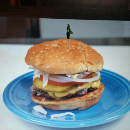 Roadrunner Grill: Hand patted burgers daily served on a grill bun