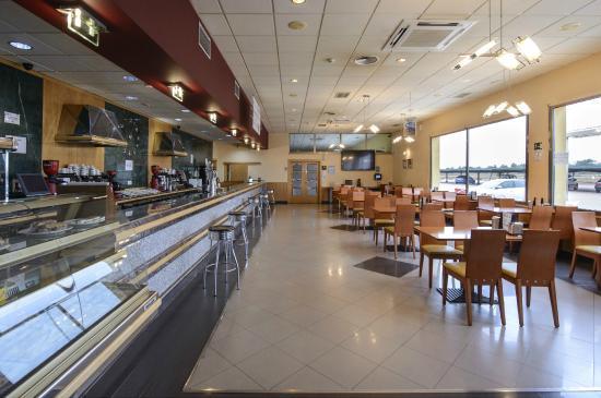 imagen Cafetería Restaurante Castillo El Burgo en El Burgo Ranero