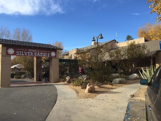 California City, Калифорния: Main Entrance
