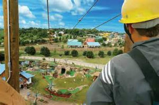 Lost Island Water Park: Are you brave enough for the Flying Gecko Zip Line?
