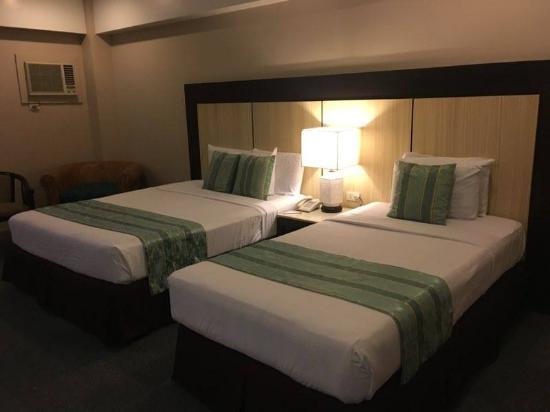 Cebu Grand Hotel: 1 double and 1 single bed
