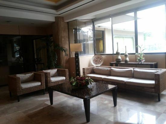Cebu Grand Hotel: lobby
