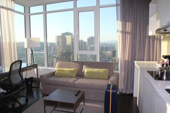 Element Vancouver Metrotown Room
