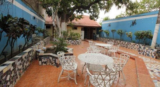 Hotel Granada: Jardin