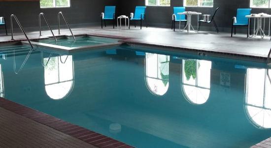 Americas Best Value Inn Chetek: Great Pool Heated Pool!