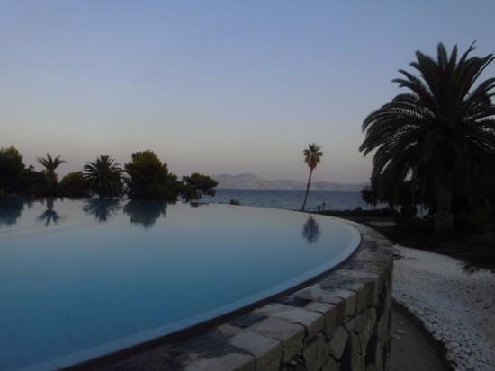 Piscina A Sfioro Foto Di Barcelo Hydra Beach Resort