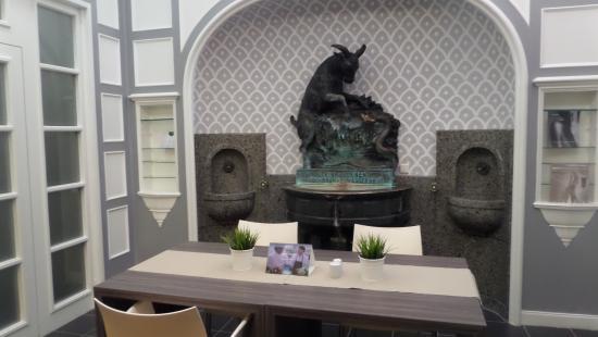 Design picture of radisson blu schwarzer bock hotel for Designhotel wiesbaden
