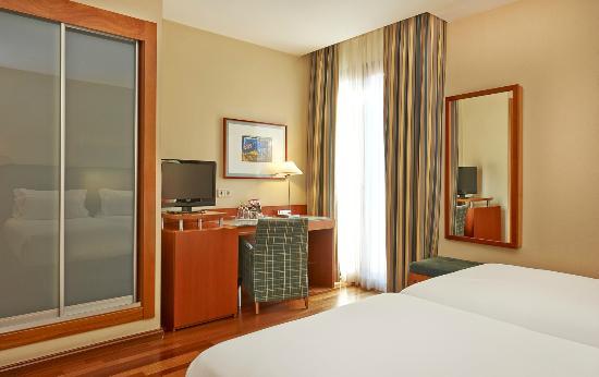 Nh barcelona centro hotel barcellona spagna prezzi for Ostelli barcellona centro economici