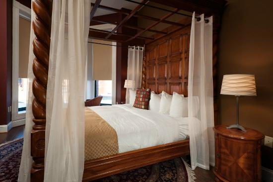 Hotel Brexton: Guest Bed