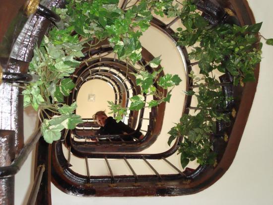 Hotel Liberty: Escadaria central do hotel