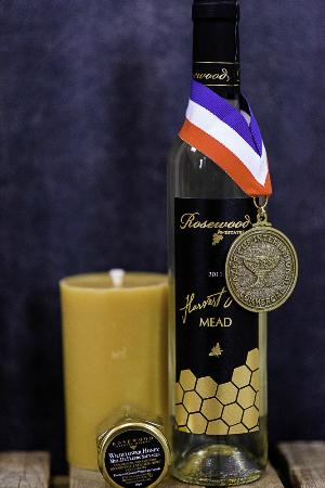Beamsville, Canada: Mead is the oldest form of alcohol known to man. Satisfy curiosity and tastebuds with Harvest Go
