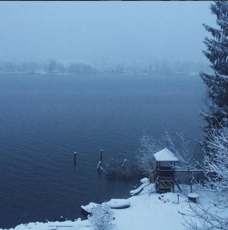 Lake Ossiach morning, first snow
