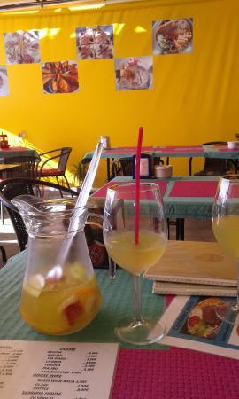 Playa de Fanabe, Spania: русское кафе