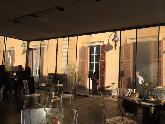 Table Service under the Tent - Picture of Terrazza Caffarelli, Rome ...