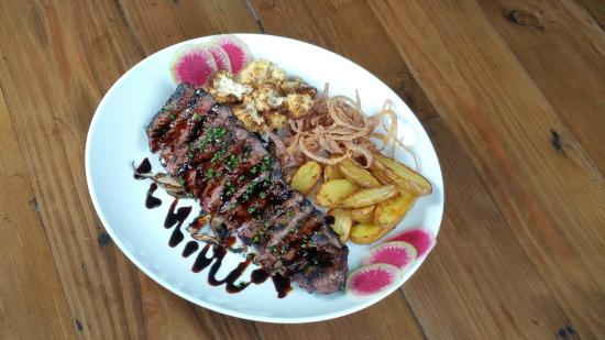 Armadillo Cafe: Steak with Balsamic Glaze and Fingerling Potatoes.
