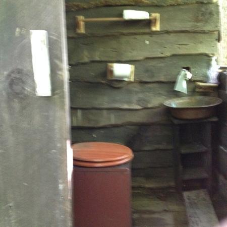 Barnardsville, Carolina del Nord: Composting Toilet