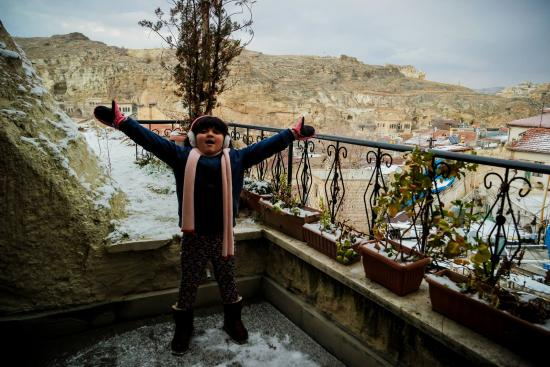 Dedeli Konak Cave Hotel: My daughter loving it too