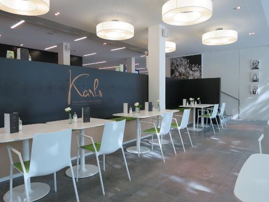 Karls Cafe Centre Charlemagne: Karls Cafe