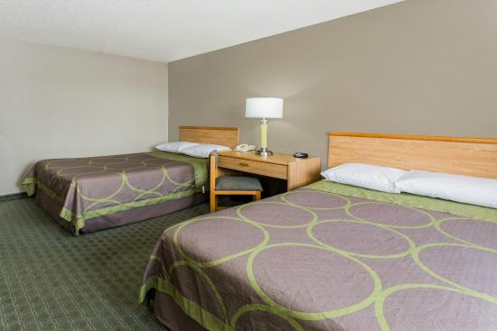 Super 8 St. Charles : Double Bed Room