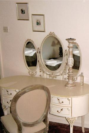 Mortimers Cross, UK: Dressing Table In Private Bedroom