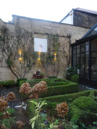Hotel Ter Duinen: The Garden
