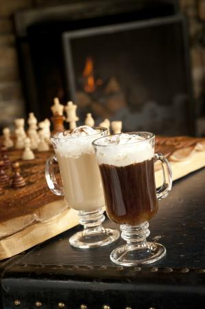 Gallatin Gateway, Монтана: Enjoy a delicious hot drink by our fireplace