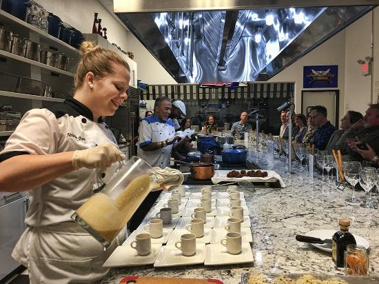 The Cooking Experience : Chef Jenna pours Chestnut espresso (yummy!)