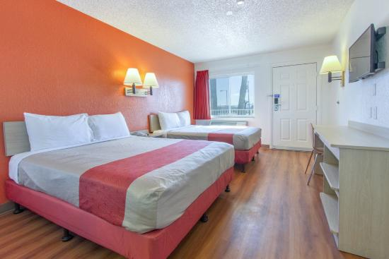 Motel 6 Phoenix Airport - 24th Street: Guest Room