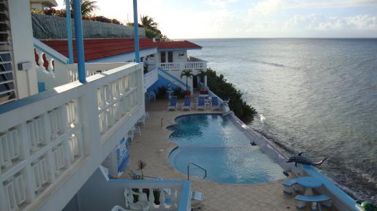 Casa La Lanchita: Beach side pool