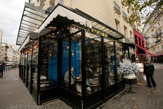 La belle terrasse de l 39 appart picture of l 39 appartement for Appartement terrasse paris 14