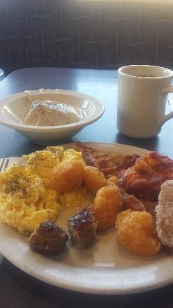 Norco, CA: Breakfast buffet sample