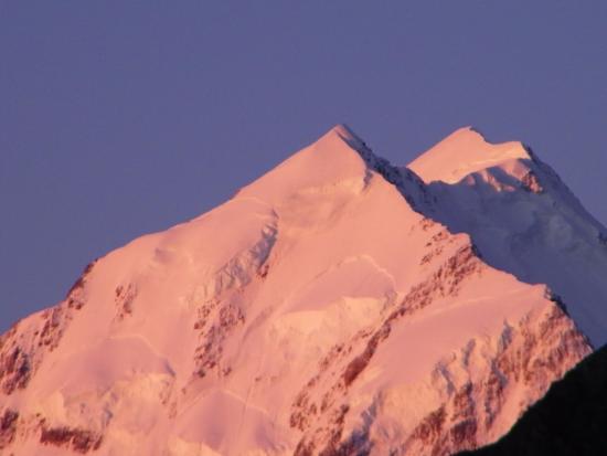 Aoraki Mount Cook Alpine Lodge: View from the motel deck