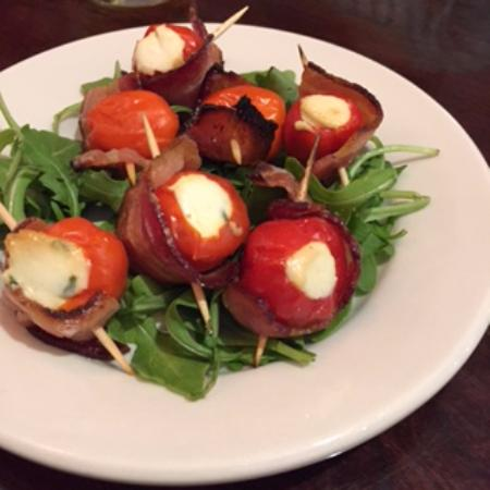 Foodies On Foot: Poppers - Quick Fire Pizza