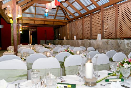 Stonefield Villa Resort: Perfect spacious venue for weddings, celebrations and special events