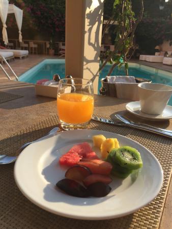 The Margi: Café a manhã com muitas frutas
