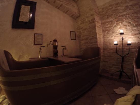 Other tub picture of prague beer spa bernard prague for Best spa in prague
