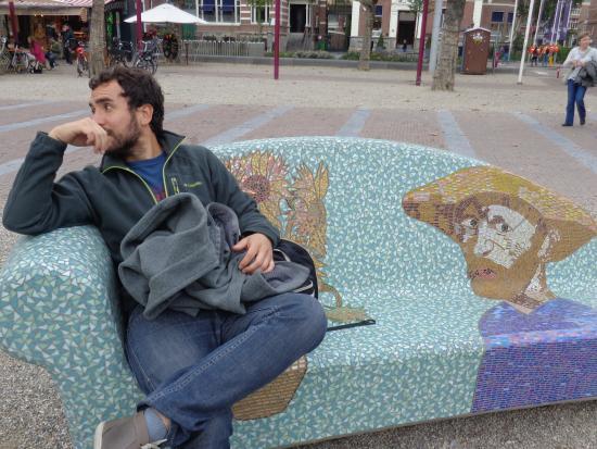 Hotel Van Gogh: a pocos pasos del hostel