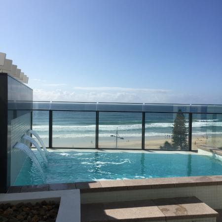 Private plunge pool with beach views level 4 rooms for Splash pool show gold coast