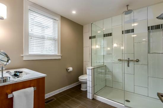 Bexley, OH: Bathroom