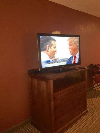 La Grande, OR: Large New TV